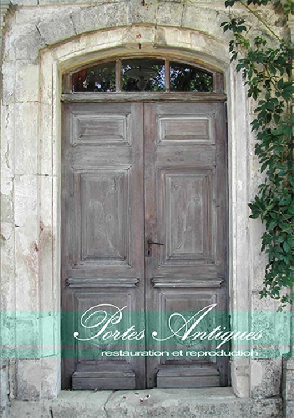 Création en cours de la plaquette Portes Antiques -